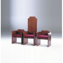 Presidential Chair and Stools 160/2